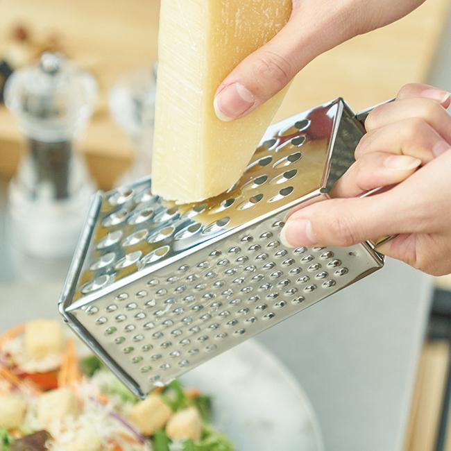 カジュアルプロダクト クチーナ4面チーズグレーター おろし金 キッチン